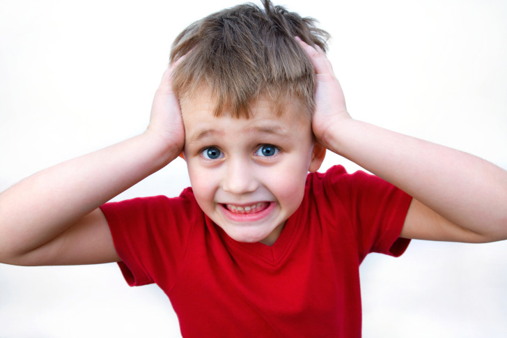 Что делать, если у ребенка сильно выпадают волосы: в чем причина и есть ли эффективное лечение?