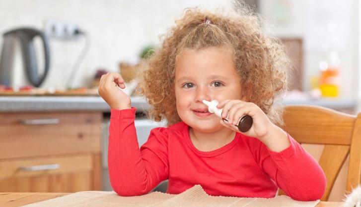Чем лечить насморк у ребенка старше 2-х лет, как долго проходит затяжной ринит?