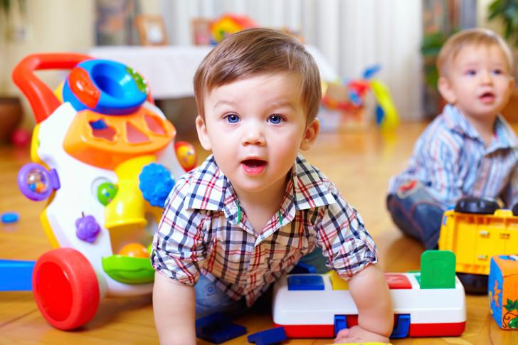 Симптомы и лечение золотистого стафилококка в горле у ребенка: антибиотики и полоскания