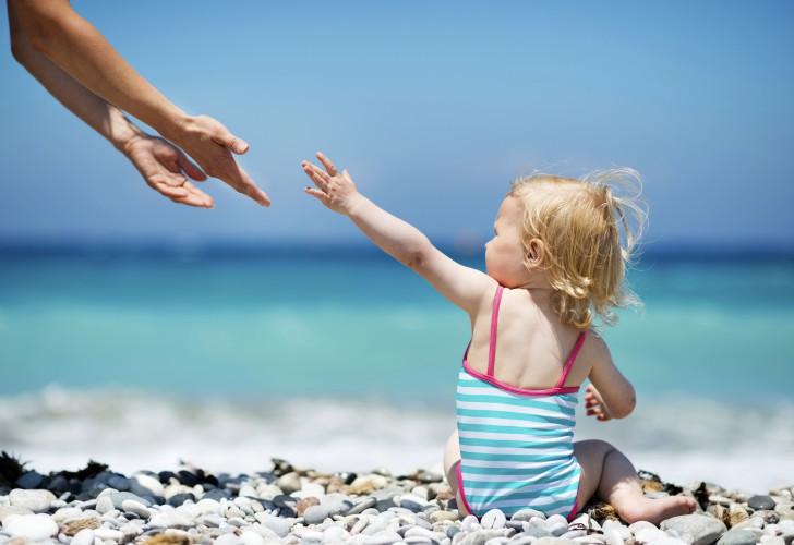 Сыпь на теле ребенка на море или после отдыха чем вызвано появление аллергии или крапивницы у детей?