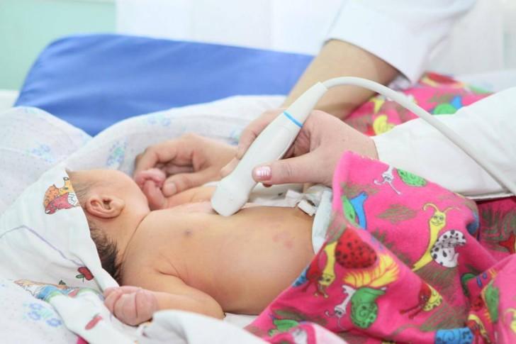 У новорожденного ДМПП: что такое дефект межпредсердной перегородки и нужна ли операция детям?