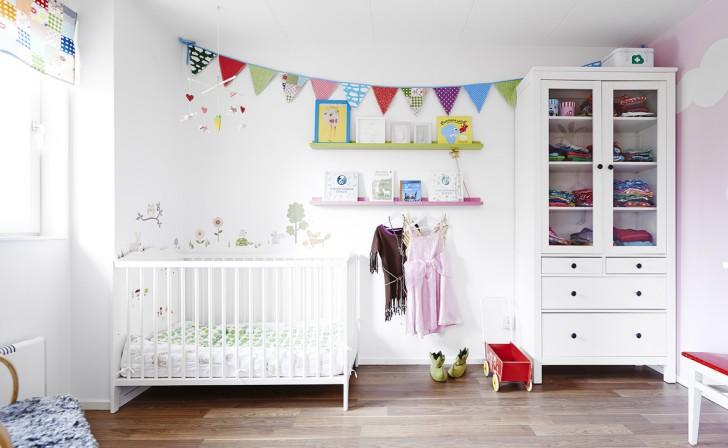 Дизайн детской комнаты для новорожденной девочки или мальчика: выбор обоев, мебели и украшений
