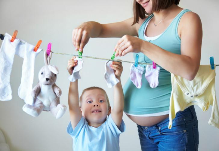 Можно или нельзя беременным поднимать руки вверх: почему стоит избегать этого движения, какие могут быть последствия?