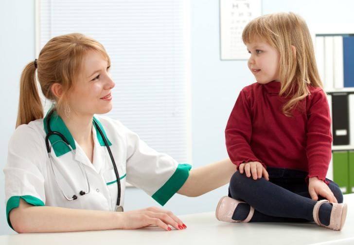 Что означают выделения у девочки: причины и лечение в возрасте от 3 до 12 лет