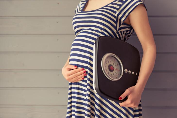 Набор веса во время беременности: нормы прибавки по неделям, патологические значения, рекомендации будущей матери