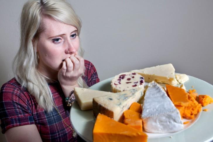 Можно ли во время беременности есть сыр с плесенью, плавленый, моцареллу и другие виды?