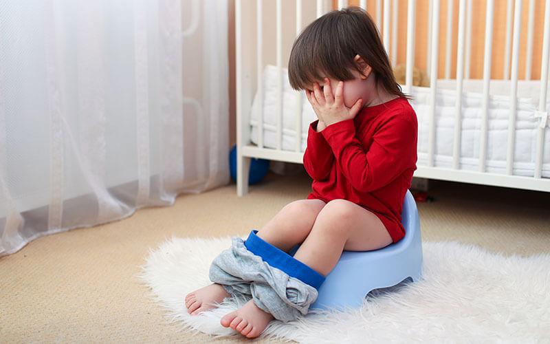 Что делать, если ребенок жалуется на боль в желудке: первая помощь в домашних условиях