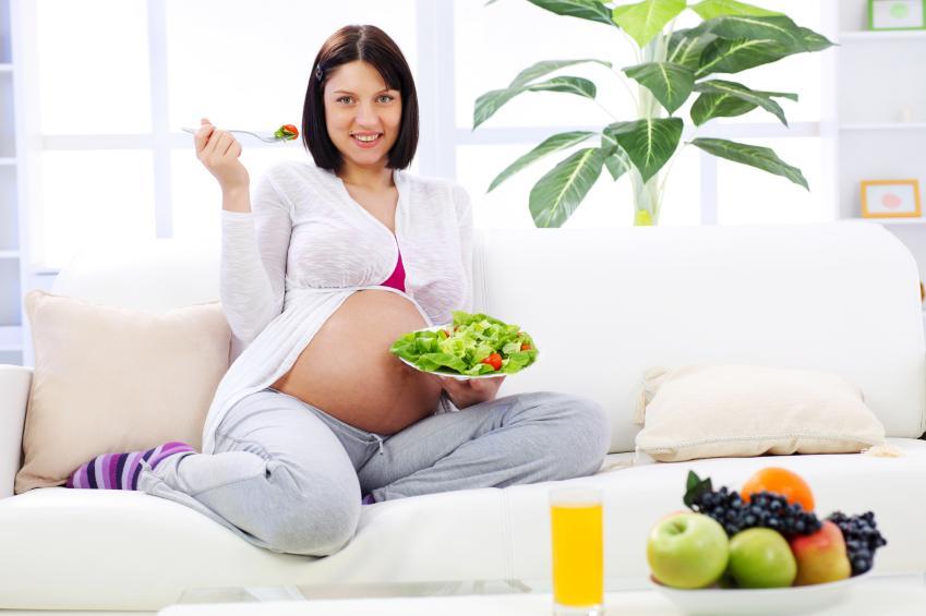Почему кровоточат десны при беременности, чем лечить и что делать, если кровоточивость с воспалением и болью?