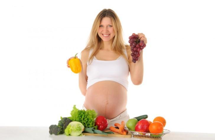 Особенности питания беременной женщины: правильный рацион в таблице по неделям, полезные и нежелательные продукты