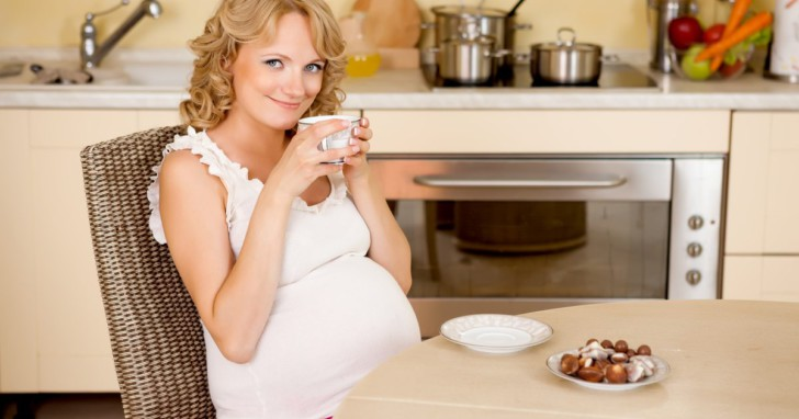 Можно ли беременным мелиссу, когда она противопоказана, как правильно пить с ней зеленый чай?