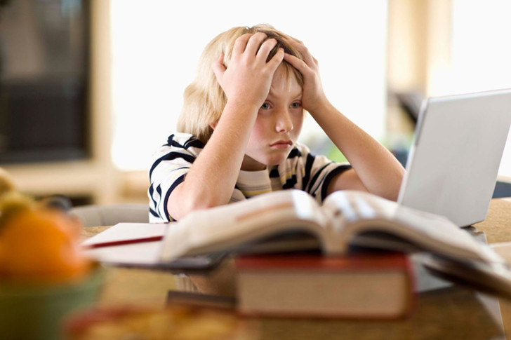Почему у ребенка может быть низкое давление, каковы сопутствующие симптомы и лечение патологии?