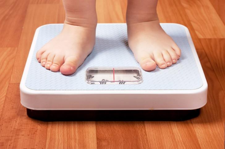 Профилактика и лечение ожирения 1-4 степени у детей и подростков: таблица по возрасту
