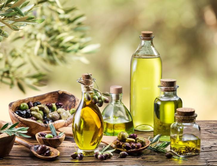 Можно ли во время беременности употреблять оливковое масло натощак, использовать в составе готовых блюд и наружно?