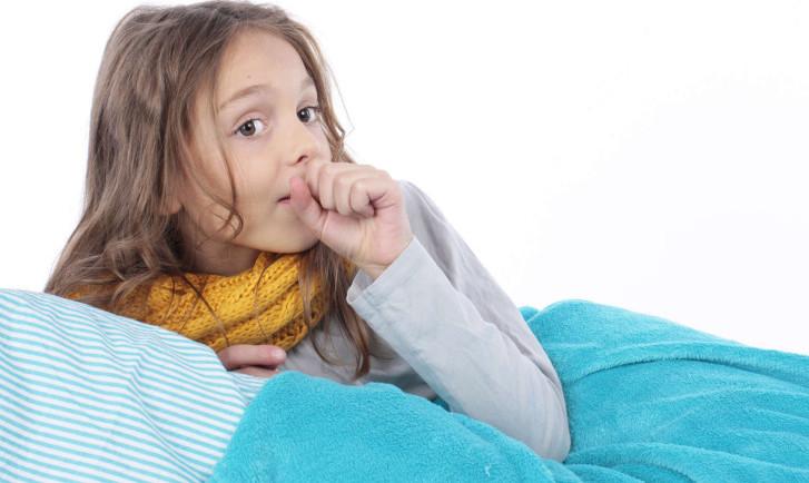 Как быстро вылечить сильный кашель у малыша: народные средства и препараты для детей от 2-3 лет