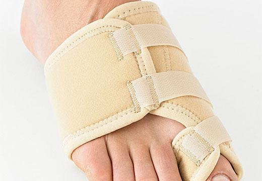 Ортез на пальце стопы