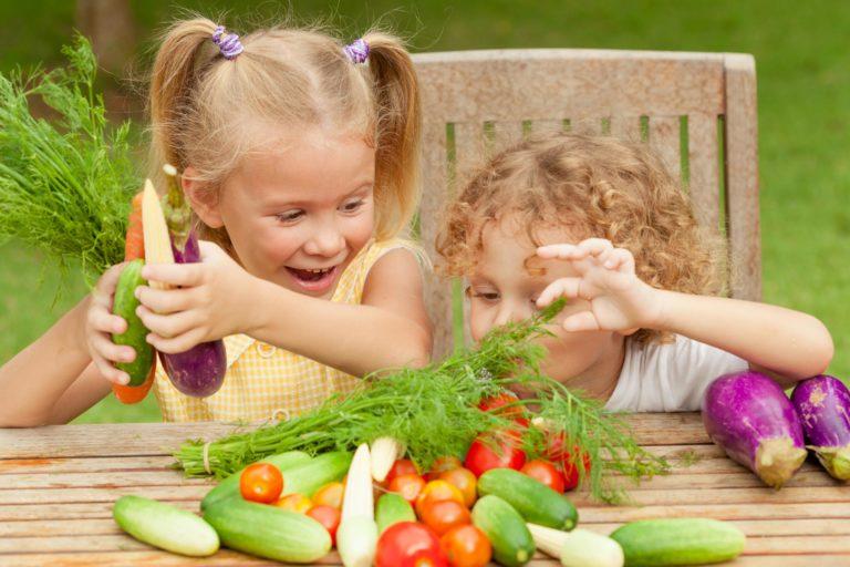 Заеды в уголках рта у детей: причины, симптомы с фото и способы лечения