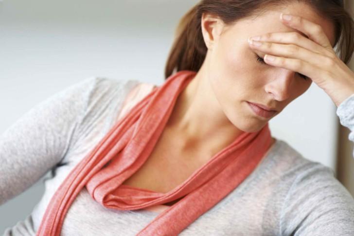 Причины и симптомы гормонального сбоя после родов, срок восстановления в норме и лечение нарушения