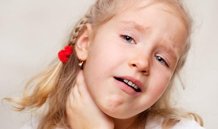 Красные пятна на слизистой рта, неба и горла у ребенка: виды сыпи с фото и пояснениями