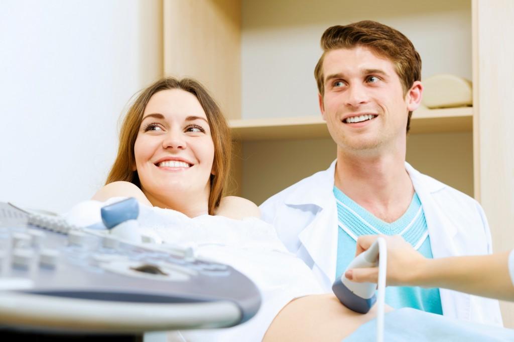 Что покажет УЗИ в 2 недели беременности, можно ли на фото увидеть эмбрион?