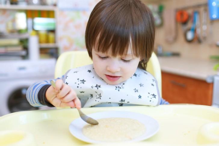Диета для детей Стол номер 4: меню на неделю и таблица продуктов, которые можно и нельзя употреблять