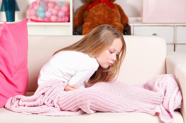 Что делать, если у ребенка тошнота и рвота без температуры и поноса: причины и лечение