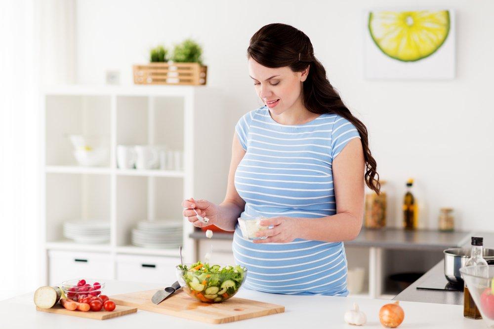 Как избавиться от изжоги при беременности в домашних условиях с помощью народных средств и питания?