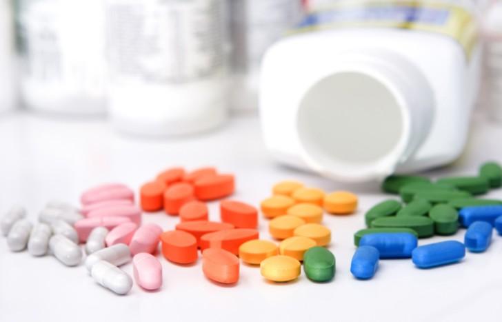 Список витаминов для беременных: какие лучше пить в 1-3 триместре, что входит в состав комплексов и как принимать?