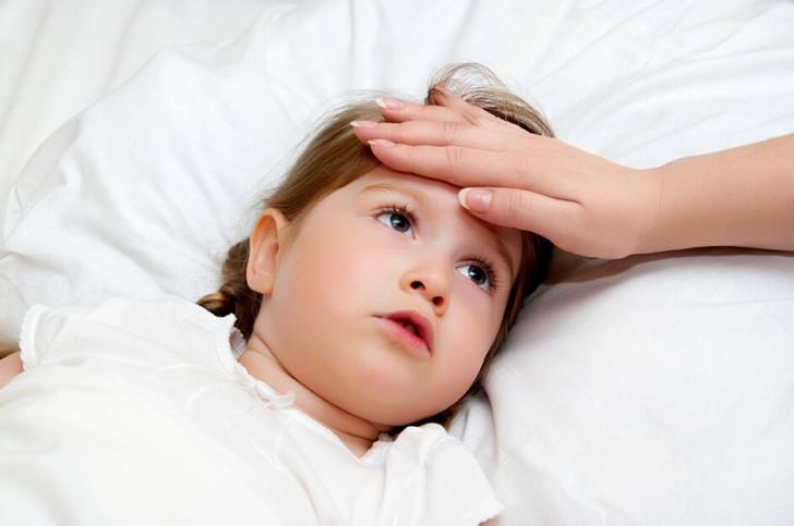 Симптомы ОРВИ у маленьких детей: признаки в инкубационный период и методы лечения малышей до года и старше