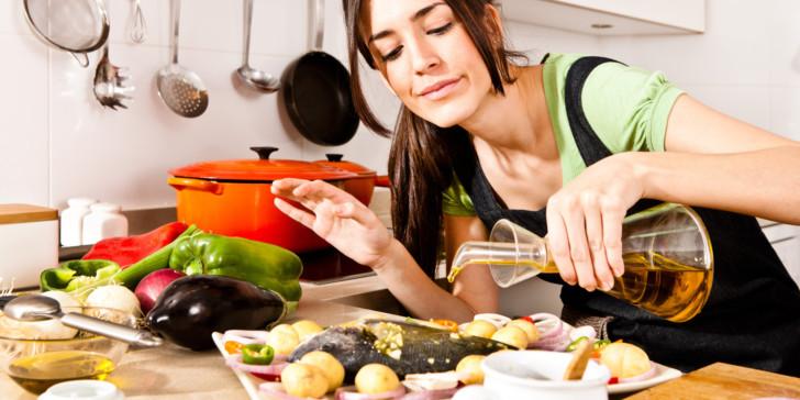 Что можно и нельзя есть беременным на ранних сроках: какие полезные продукты нужно кушать в первом триместре?
