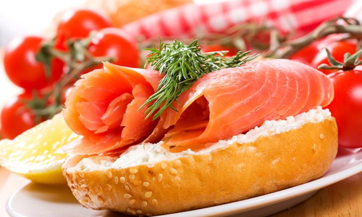 Можно ли беременным есть семгу слабосоленую, сушеную и вяленую красную рыбу форель, горбушу и лосось?