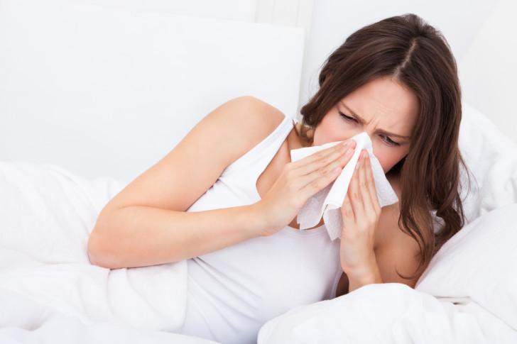 Сухой и влажный кашель в период беременности: чем лечить в 1, 2 и 3 триместрах, опасно ли это для плода?