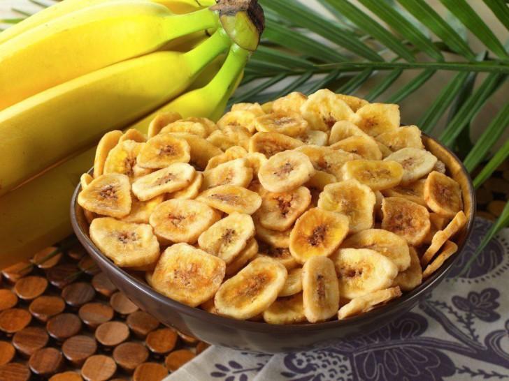 Можно ли беременным есть бананы на ранних и поздних сроках, в чем их польза и вред?