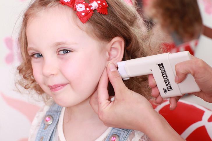 Чем и как обрабатывать уши ребенка после прокола пистолетом: рекомендации по уходу