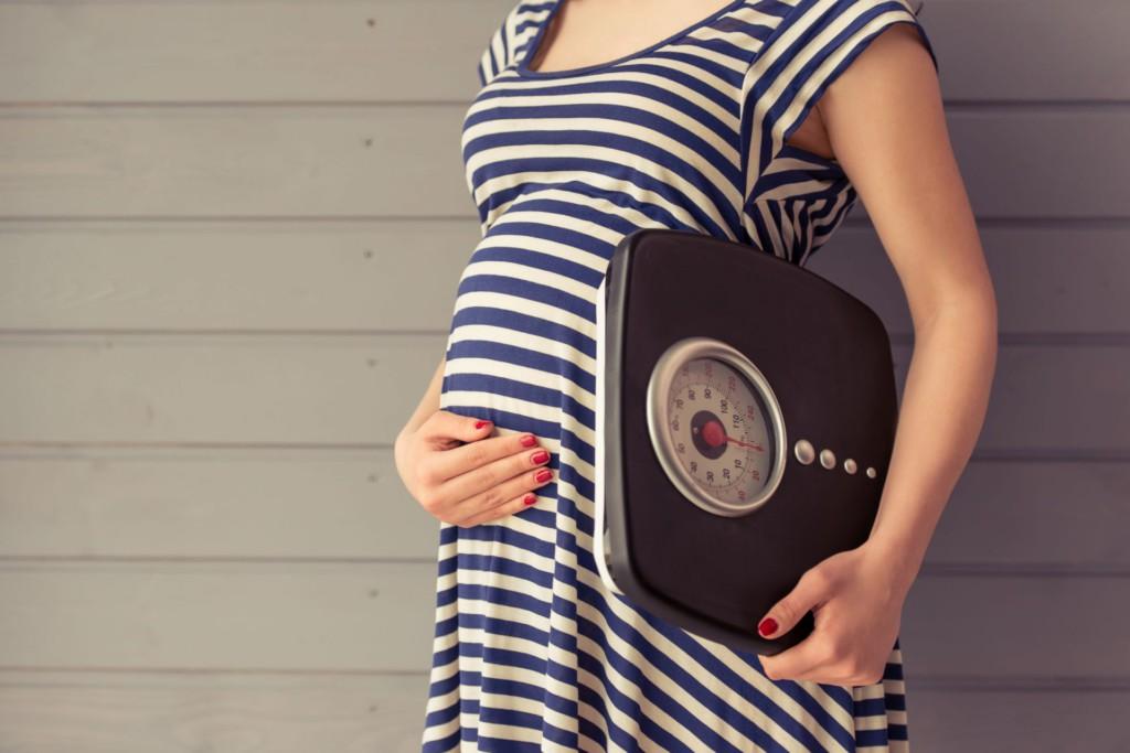 Как рассчитать предполагаемую массу тела плода при беременности, какие методы расчета веса существуют?