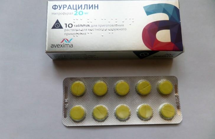 Как развести таблетки Фурацилина для полоскания и обработки горла при ангине у ребенка: инструкция по применению