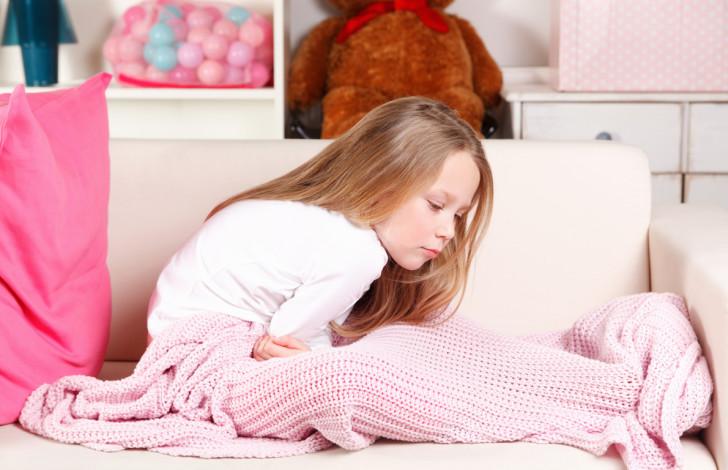 Что такое гастроэзофагеальный рефлюкс желудка и эзофагит: симптомы и лечение у грудничков и детей от года