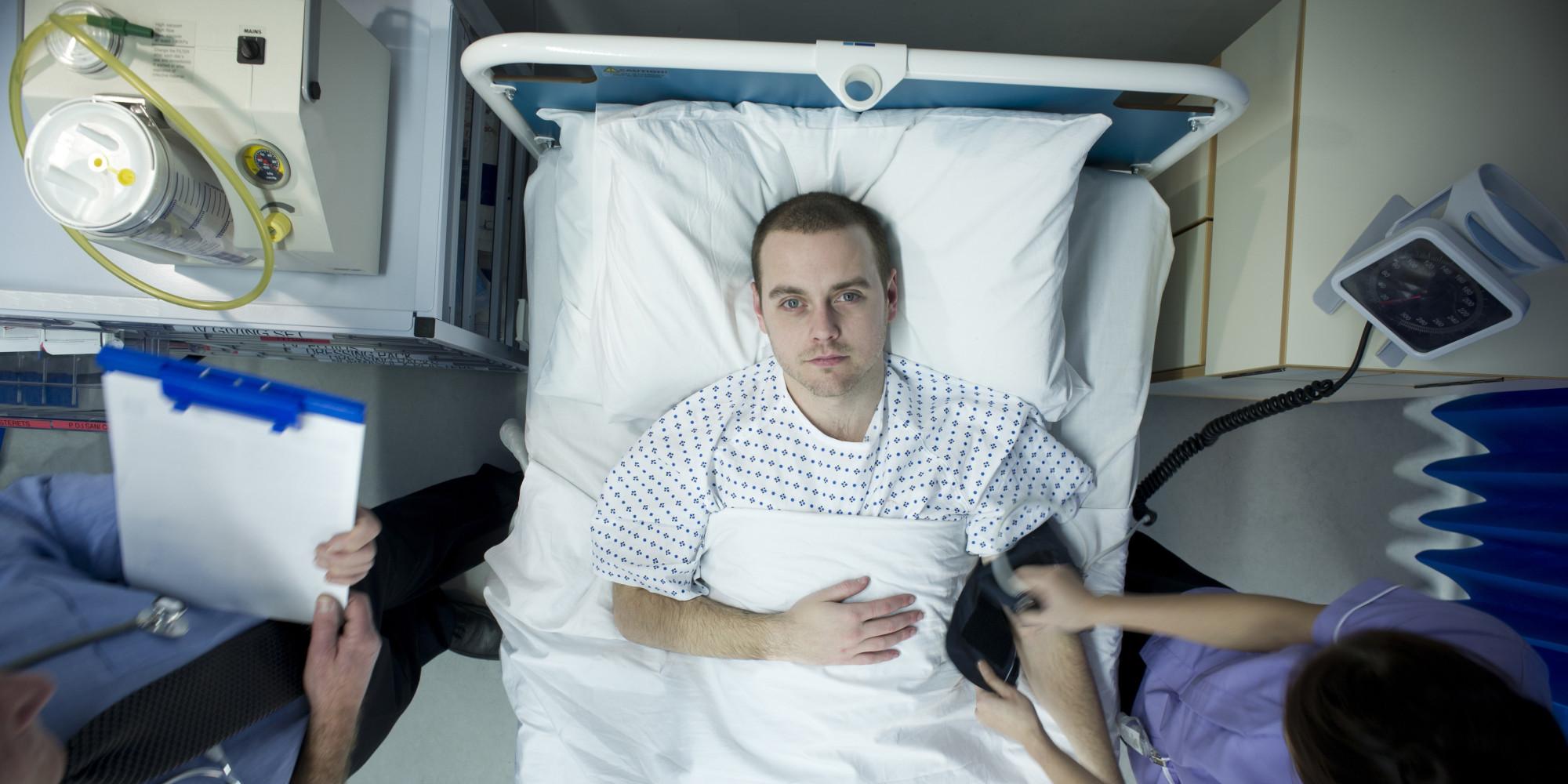 При переломе грудного отдела обязательно нахождение в стационаре