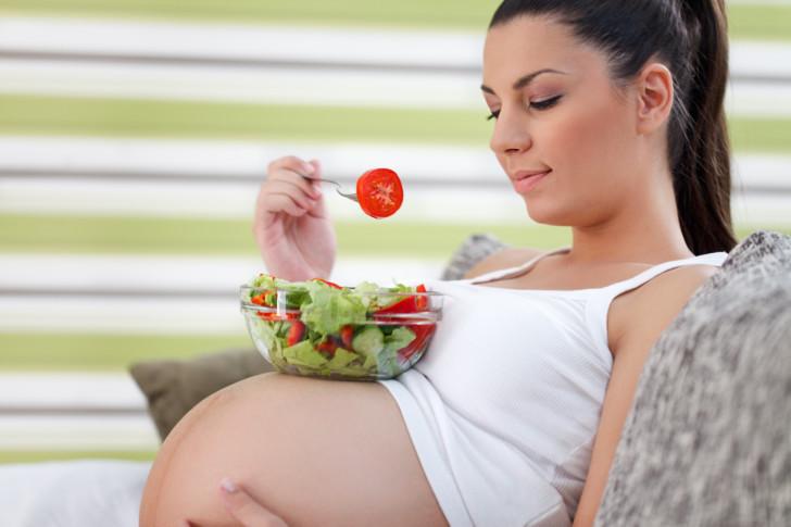 Что можно, а что нельзя делать в 3 триместре беременности, какую диету нужно соблюдать беременным?