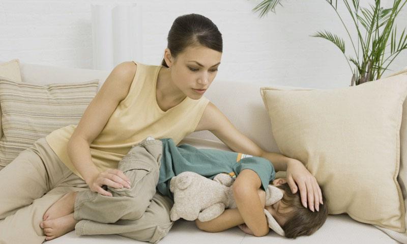 Инструкция по применению капель и сиропа Стоптуссин для лечения кашля у детей