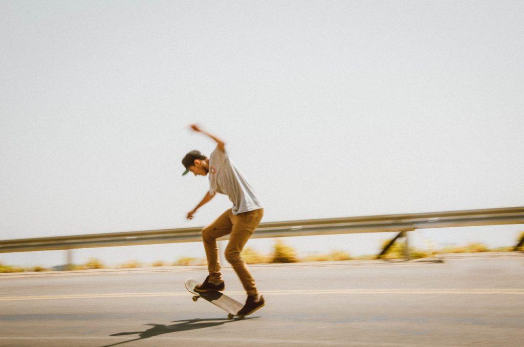Скейтборд является одной из многих причин возникновения перелома малой берцовой кости