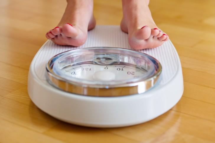 Вес перед, во время и после месячных: как меняется масса тела в зависимости от менструального цикла?
