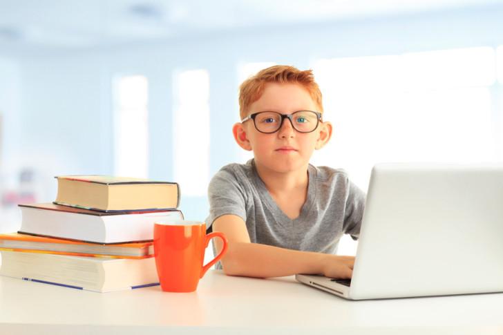 С какого возраста детям можно носить контактные линзы для улучшения зрения и как их правильно подобрать?