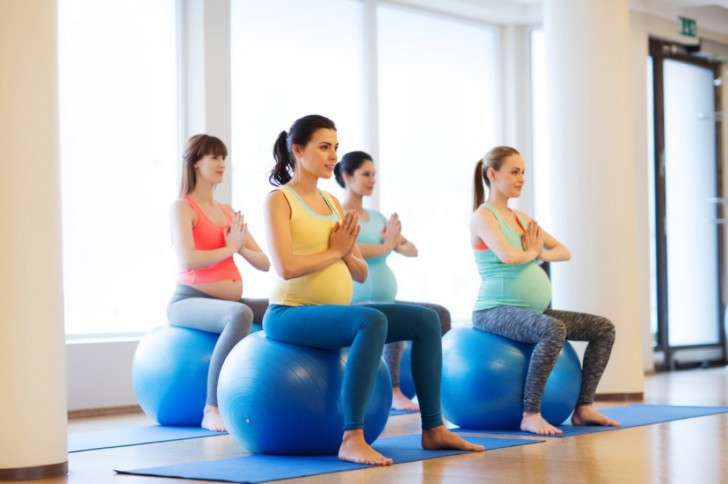 Упражнения и специальная гимнастика для беременных на фитболе: как проводить занятия на мяче в домашних условиях?
