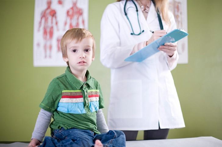 При наличии в моче нитритов необходимо пройти комплексное лечение, назначенное врачом, до полного выздоровления организма