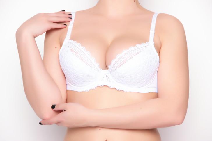 Перед месячными перестала болеть грудь: почему, есть ли повод для беспокойства?