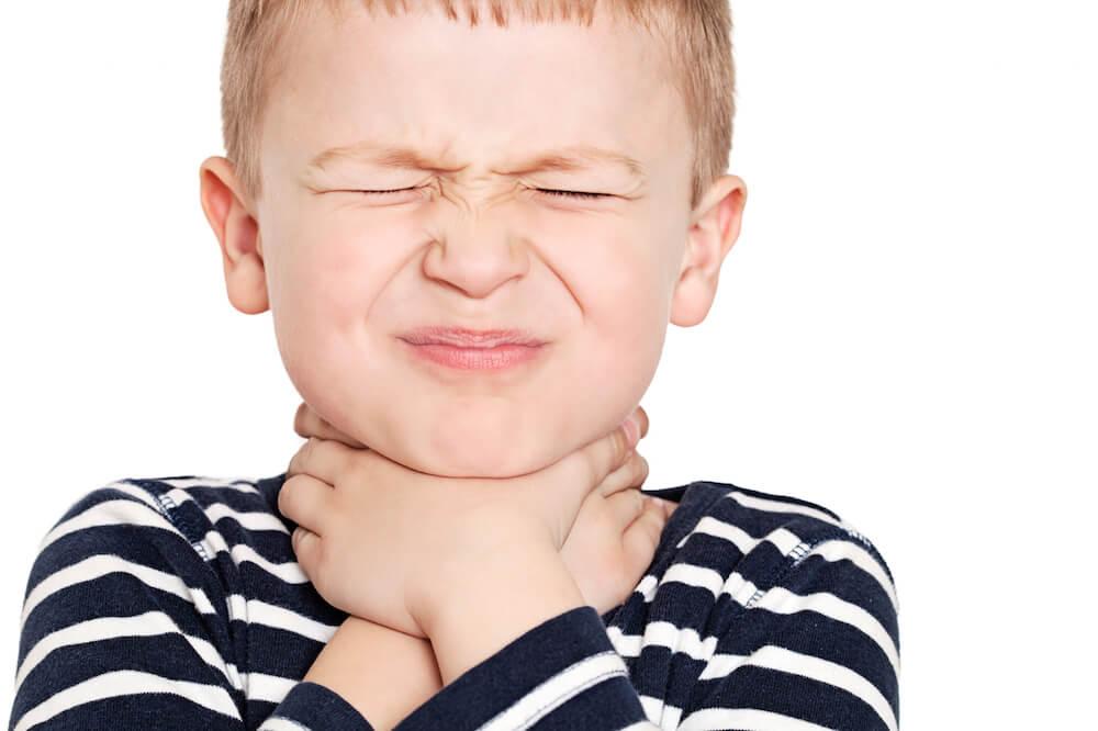 Таблетки для рассасывания Фарингосепт: инструкция по применению для лечения ангины и других заболеваний у детей