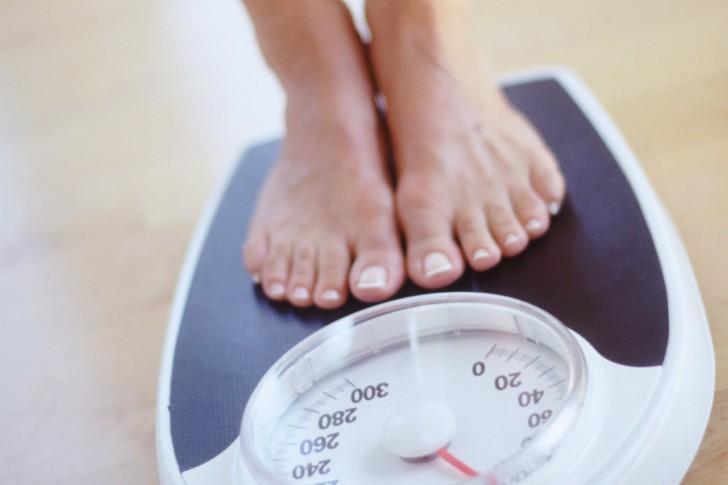 Почему после родов женщина может сильно похудеть, как набрать вес, в каких случаях следует обратиться к врачу?