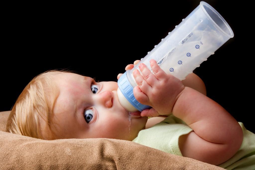 Как подобрать детскую молочную смесь для новорожденного и грудничка: рейтинг и правила выбора
