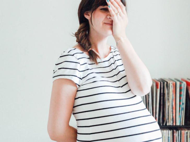 Свечи от геморроя в 1-3 триместре при беременности: какие бывают, как лучше использовать и когда назначают беременным?